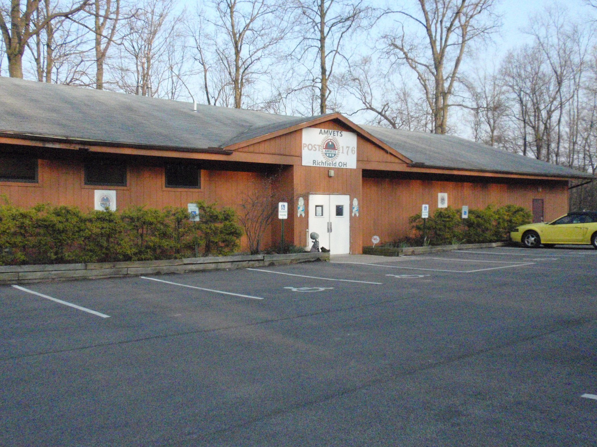 Picture of entrance to AMVETS POST 176